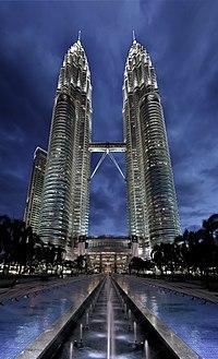 200px-Petronas_Panorama_II